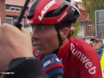 El brutal puñetazo por venganza de un ciclista a otro en el Giro de Münsterland
