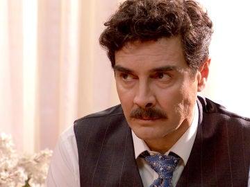 Armando teme que un terrible suceso del pasado vuelva a afectar a Julia
