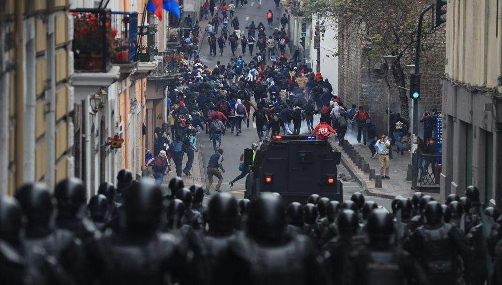 Protestas multitudinarias en Ecuador.