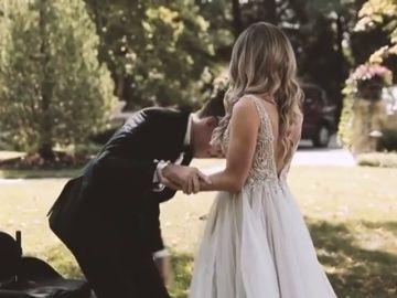 La emocionante boda en la que Wickens cumplió su sueño de ponerse en pie un año después del accidente