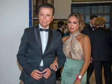 Gloria Camila junto a su padre Ortega Cano