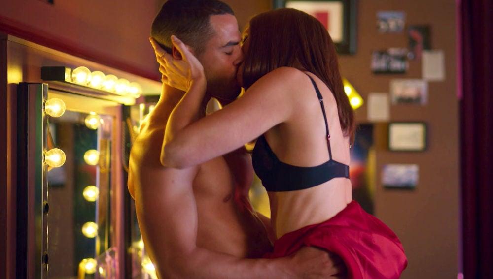 Hugo y Macarena, sexo desenfrenado en 'Toy boy'