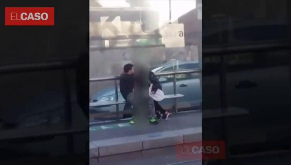 Google Maps graba a una pareja manteniendo sexo en la calle