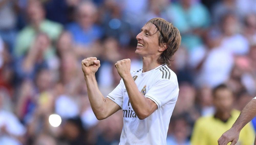 Modric celebra su gol ante el Granada