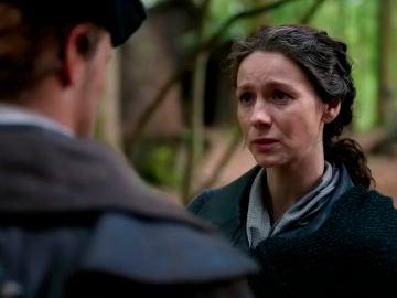 Claire (Caitriona Balfe) y  Jamie (Sam Heughan) en 'Outlander'