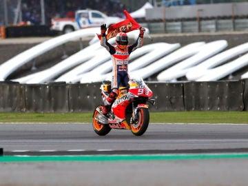 Márquez celebra el título mundial de MotoGP