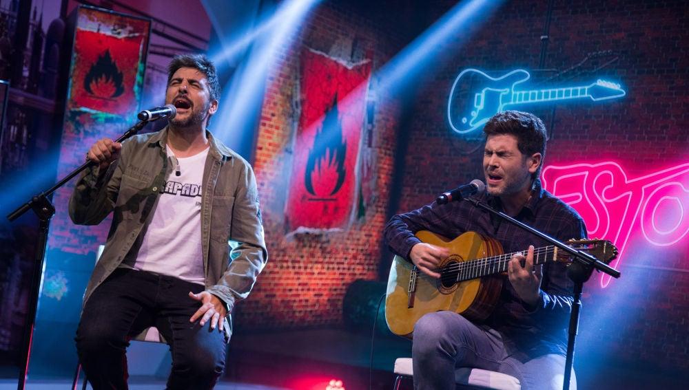 Estopa interpreta en directo en 'El Hormiguero 3.0' su single 'El último renglón'