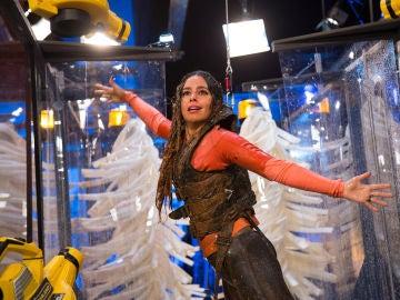 Cristina Pedroche pone a prueba el asombroso túnel de lavado humano en 'El Hormiguero 3.0'