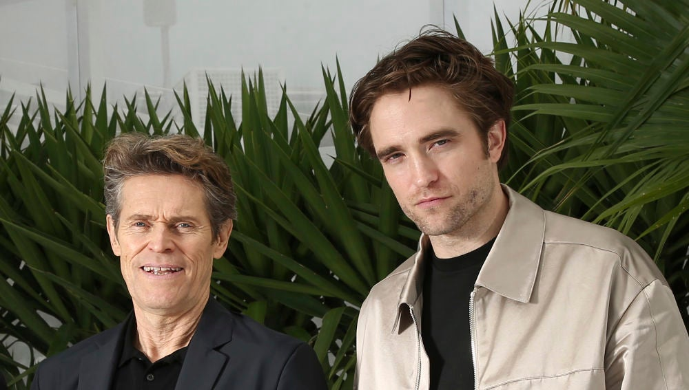 Willem Dafoe y Robert Pattinson