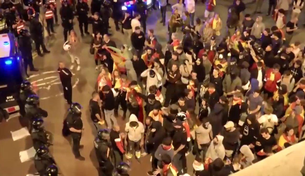 Los Mossos intentan evitar el choque entre dos manifestaciones de signo contrario en Barcelona
