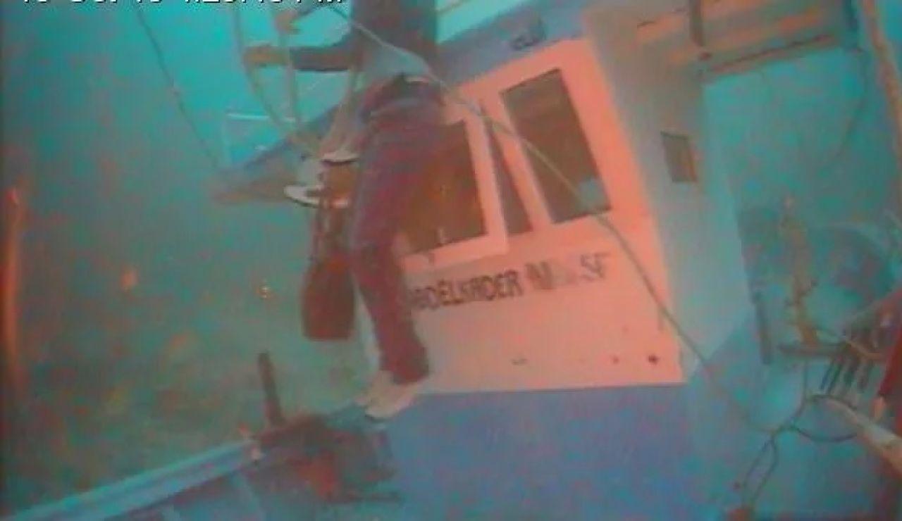 Cadáveres tras un naufragio en Lampedusa