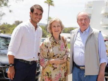 Rafa Nadal, junto a la Reina Sofía y el Rey Juan Carlos