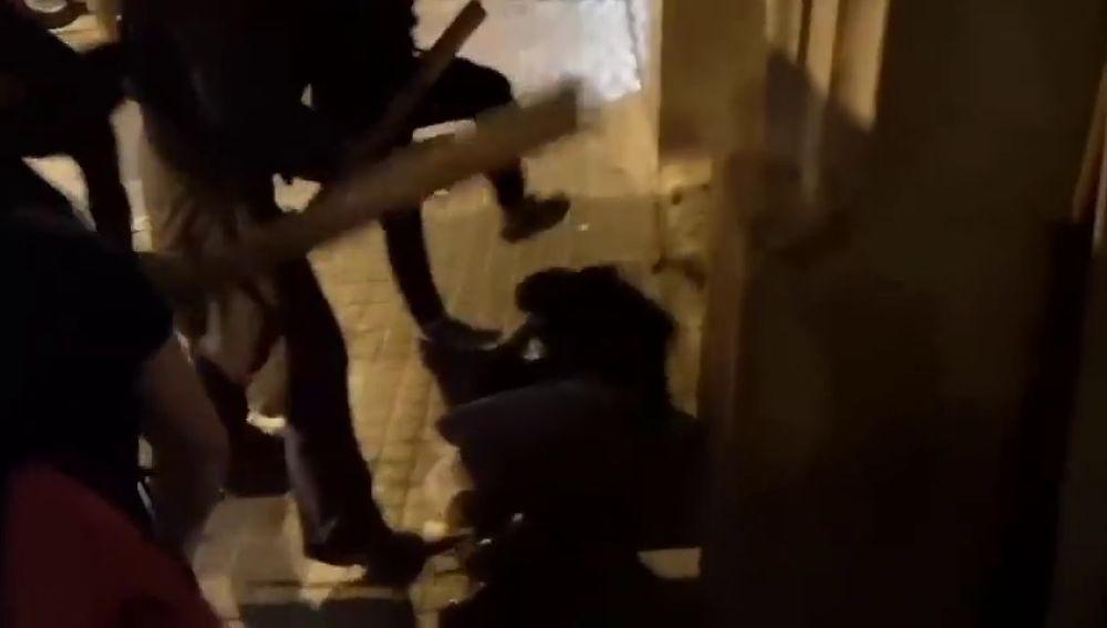 Brutal agresión de un grupo de CDR