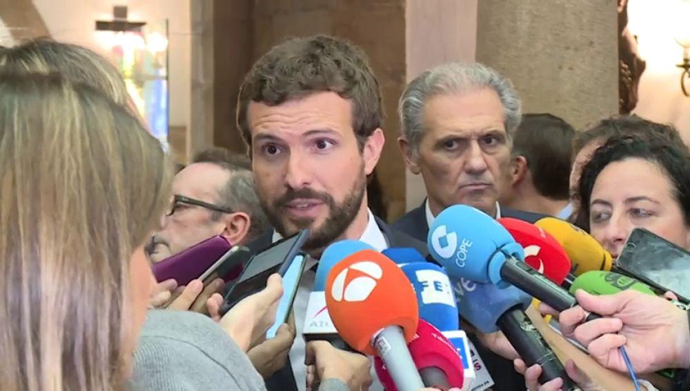 Casado y Rivera reclaman a Sánchez que actúe en Cataluña