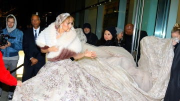El asombroso vestido de novia de Jennifer Lopez