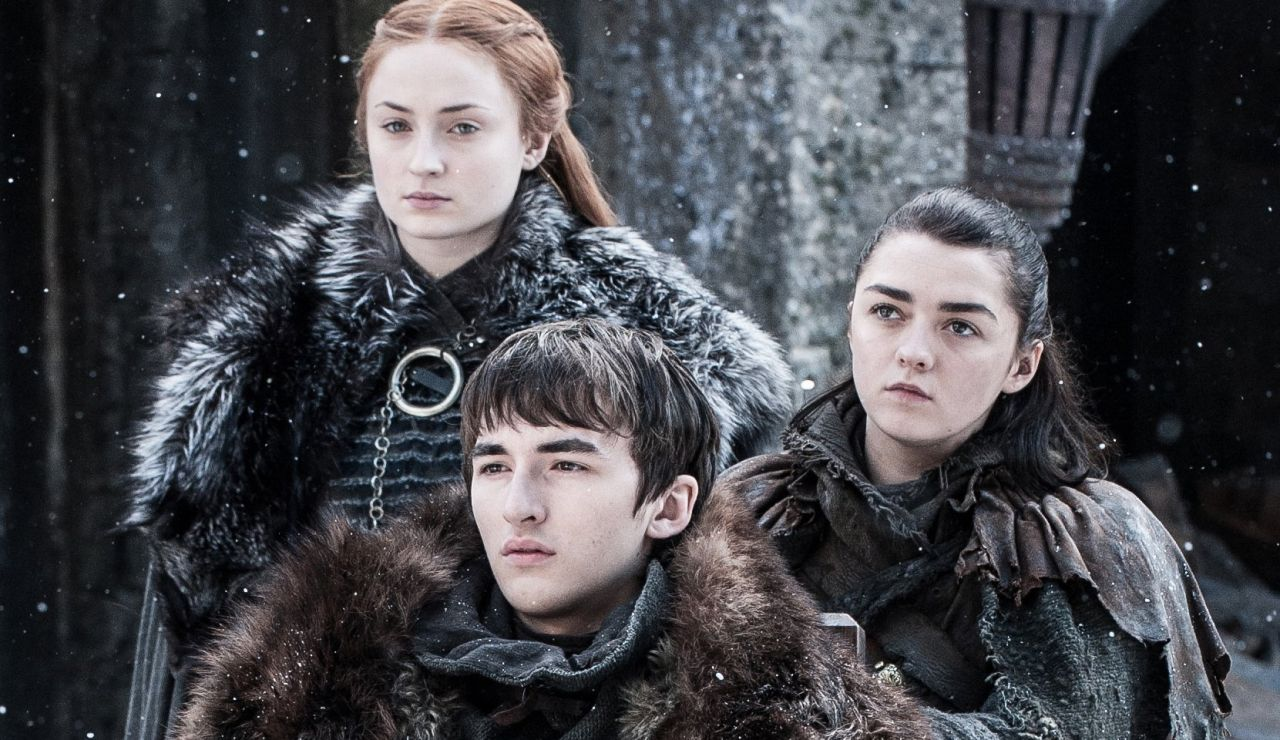 Sansa, Bran y Arya Stark en 'Juego de Tronos'