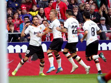 Parejo celebra su gol al Atlético