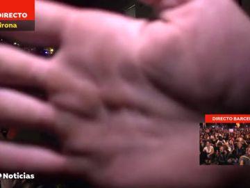 Radicales independentistas boicotean el directo de una reportera de Antena 3 Noticias