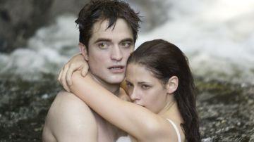 Robert Pattinson y Kristen Stewart como Bella y Edward en 'Crepúsculo'