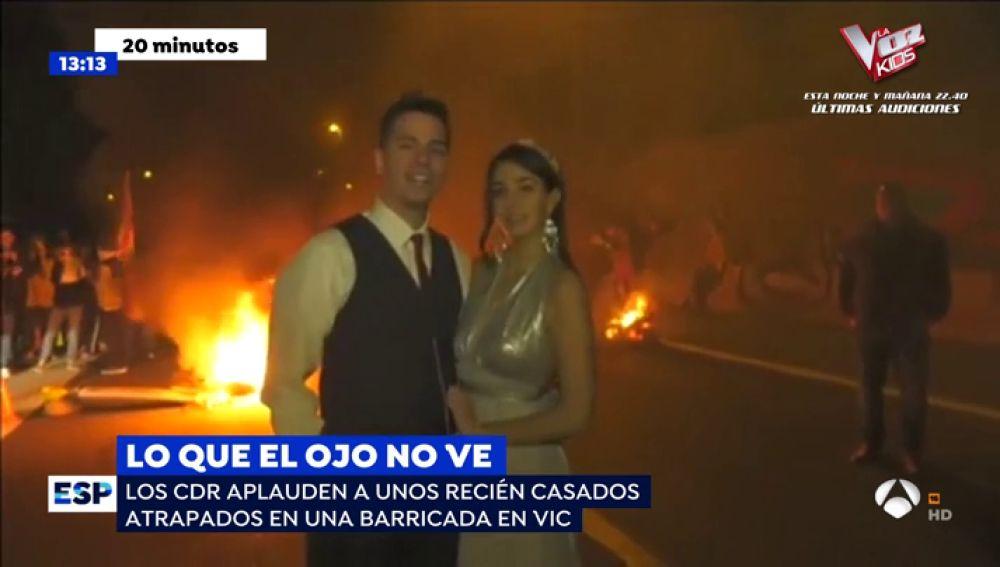 Recién casados atrapados en Vic.