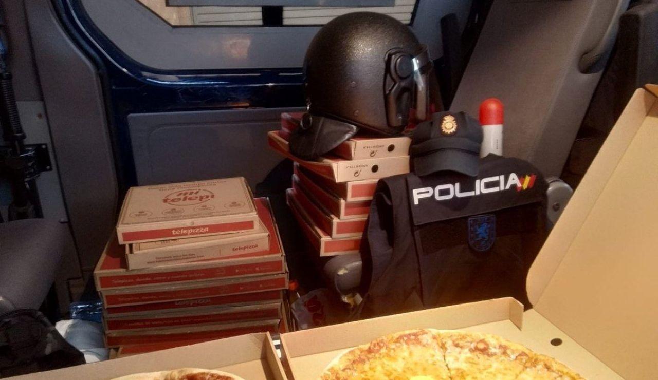 Forocoches envía pizzas a los policías desplegados en Cataluña