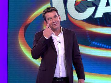 """Arturo Valls, molesto por un señor del público de '¡Ahora caigo!' al que """"se le ve el plumero"""""""