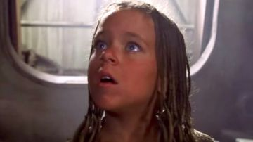 Tina Majorino en 'Waterworld'