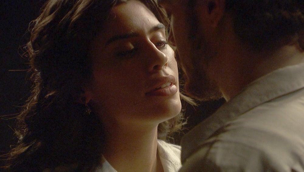 Matías y Alicia dan un paso más en su íntimo encuentro