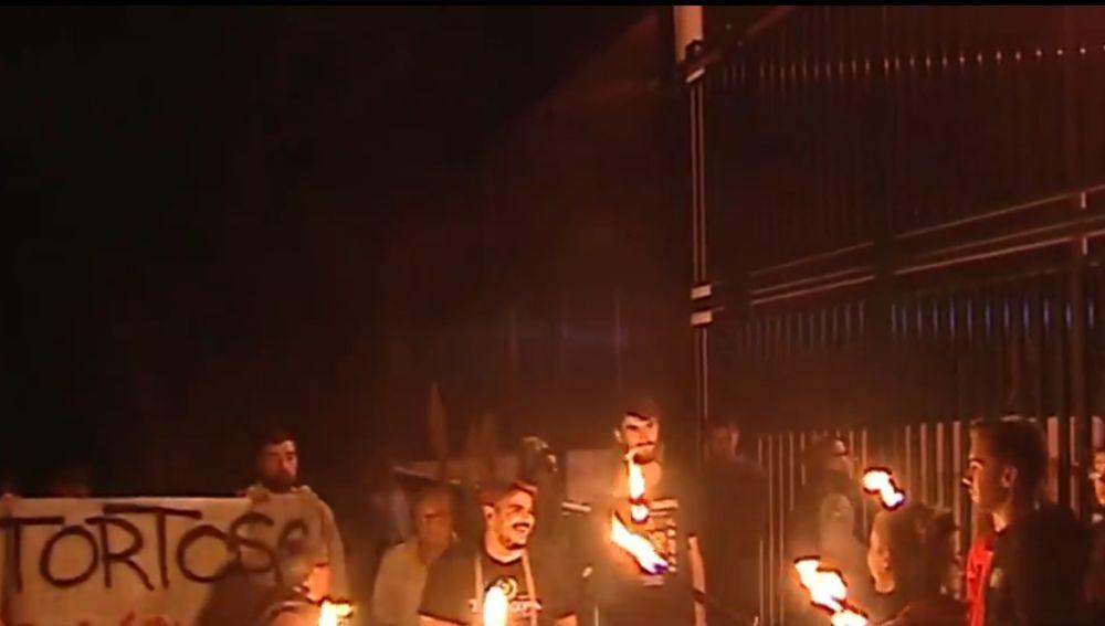 Concentración a las puertas de la prisión El Catllar (Tarragona)