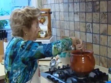 Refu, la abuela que triunfa con sus recetas en Internet