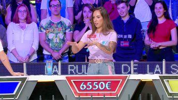 La divertida broma de Jorge Fernández a una nerviosa Andrea después de resolver un panel de 'La ruleta de la suerte'