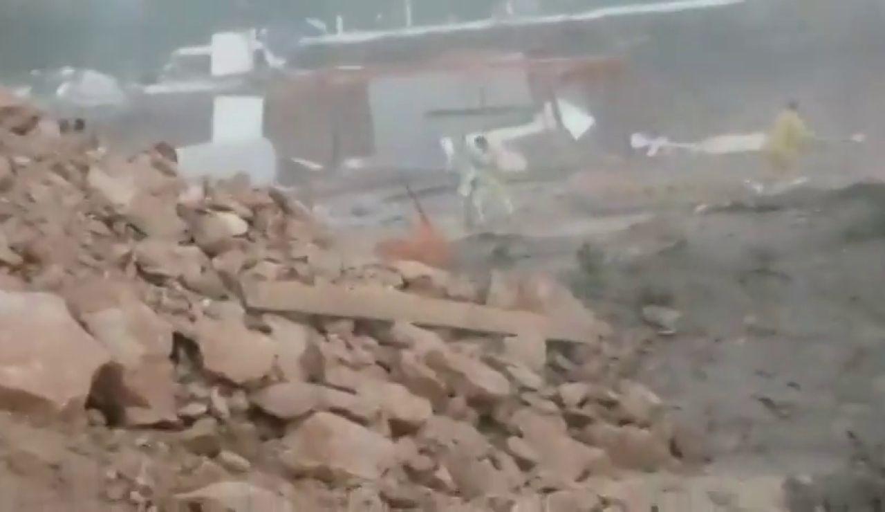 Un tornado levanta el suelo de una caseta y deja tres heridos en Ibiza