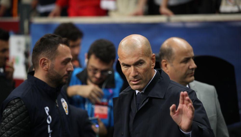 Zidane, en el campo del Galatasaray