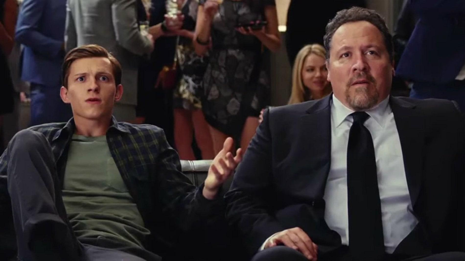Tom Holland y Jon Favreau como SpiderMan y Happy en Marvel