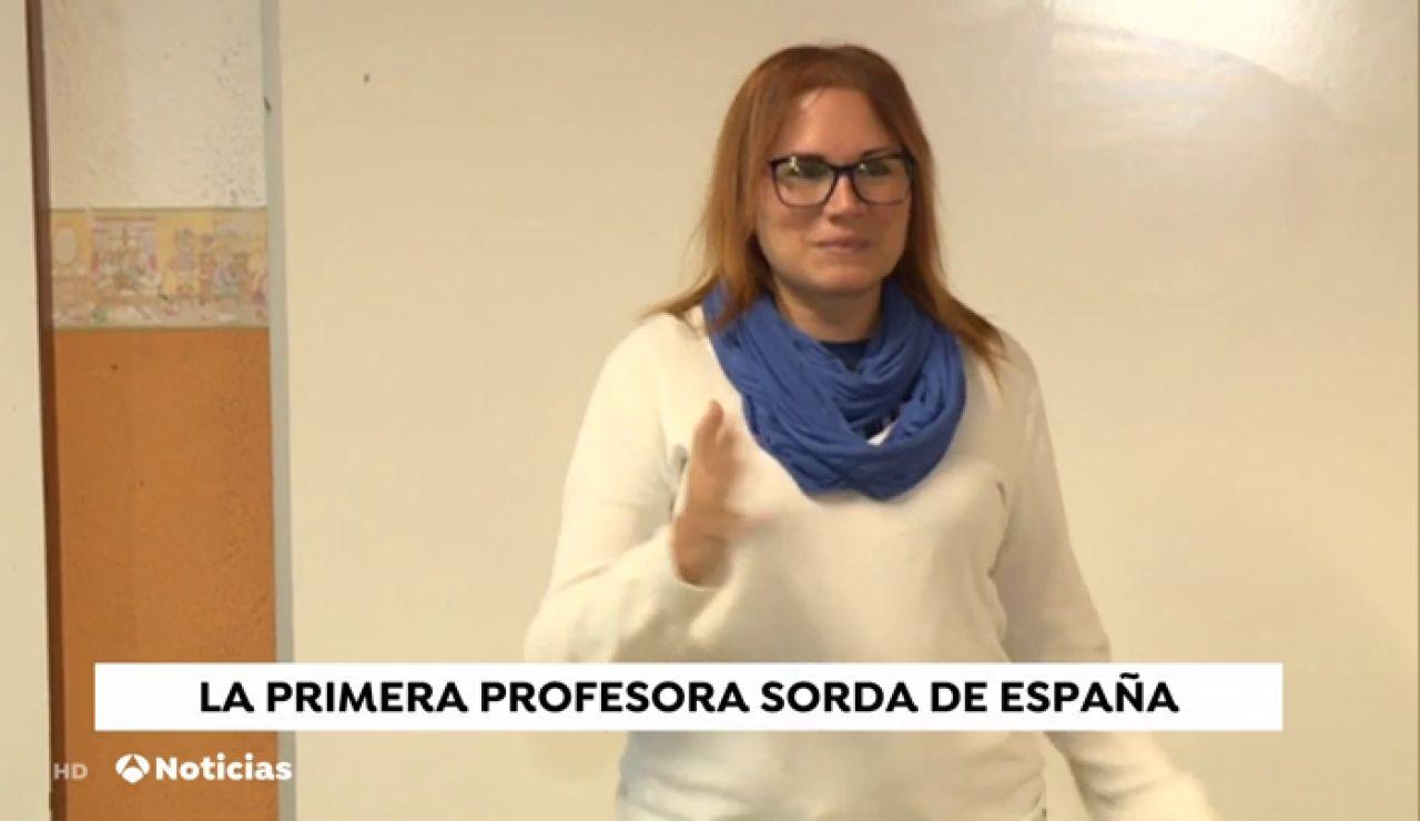 Lidia Domínguez, la primera profesora sorda de España