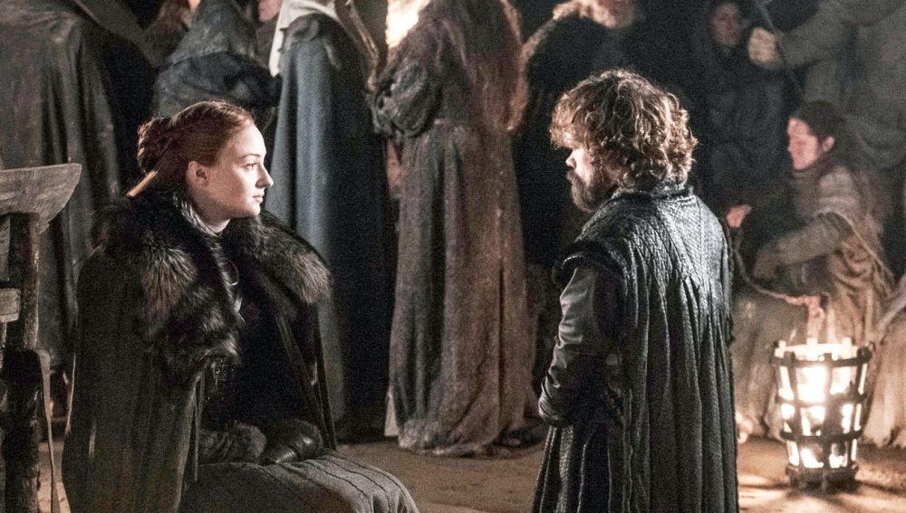 Sansa Stark y Tyrion Lannister en 'Juego de tronos'