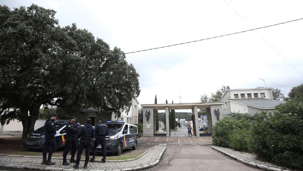 Vista del exterior del cementerio de Mingorrubio, en El Pardo