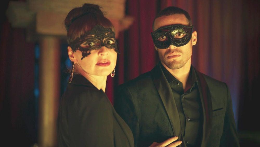 Macarena y Hugo reviven su última noche juntos de sexo y lujuria ante la aterrada mirada de Triana