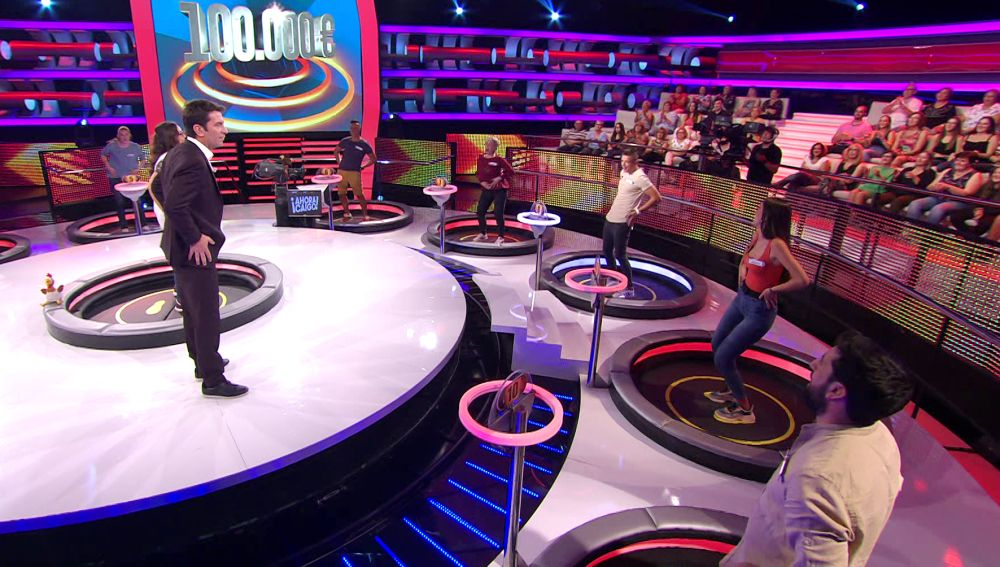 El sorprendente momento en el que todos los concursantes de '¡Ahora caigo!' se ponen a bailar 'La Macarena'