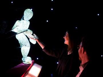 Laura Pausini vive una noche mágica en 'El Hormiguero 3.0' con un ser de luz