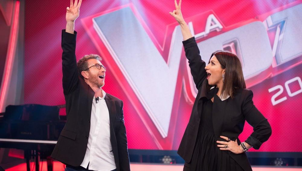 La espectacular coreografía de Laura Pausini con la sintonía de 'La Voz'