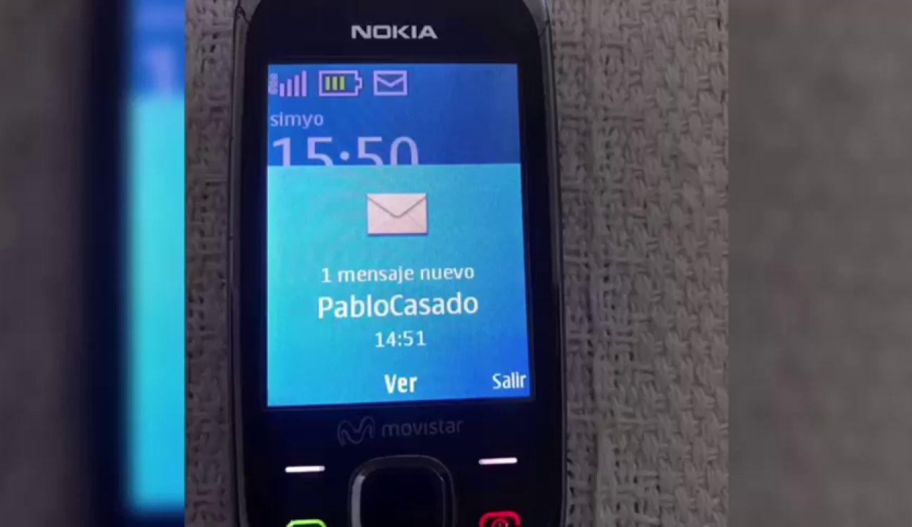 Pablo Casado envía un SMS a miles de españoles para pedirles un voto
