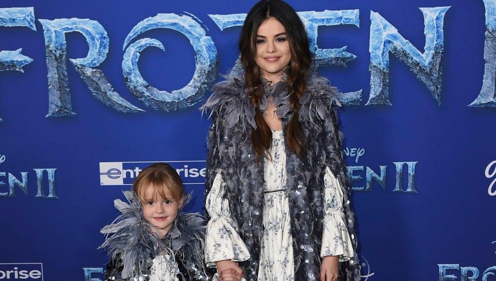 Selena Gomez junto a su hermana en el estreno de 'Frozen 2'