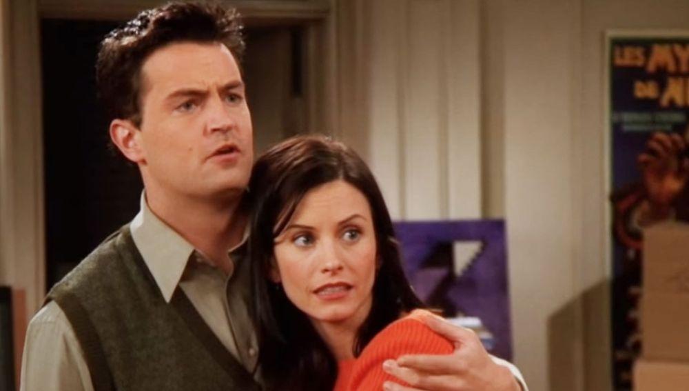 Courteney Cox (Monica) y Matthew Perry (Chandler) de 'Friends' se  reencuentran y los fans se alertan por el preocupante aspecto del actor