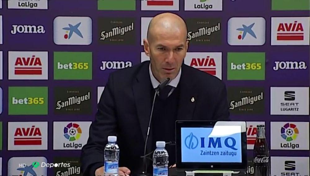 """Zidane, sobre Valverde: """"Cuando juega lo hace muy bien"""""""
