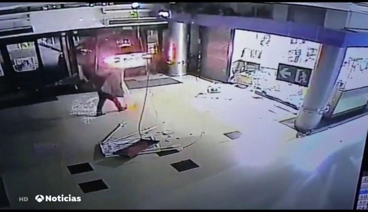 Asaltan con violencia un centro comercial en Barcelona
