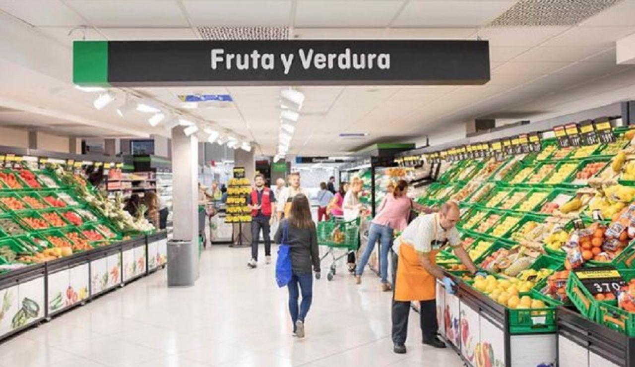 Imagen de archivo de gente comprando en Mercadona