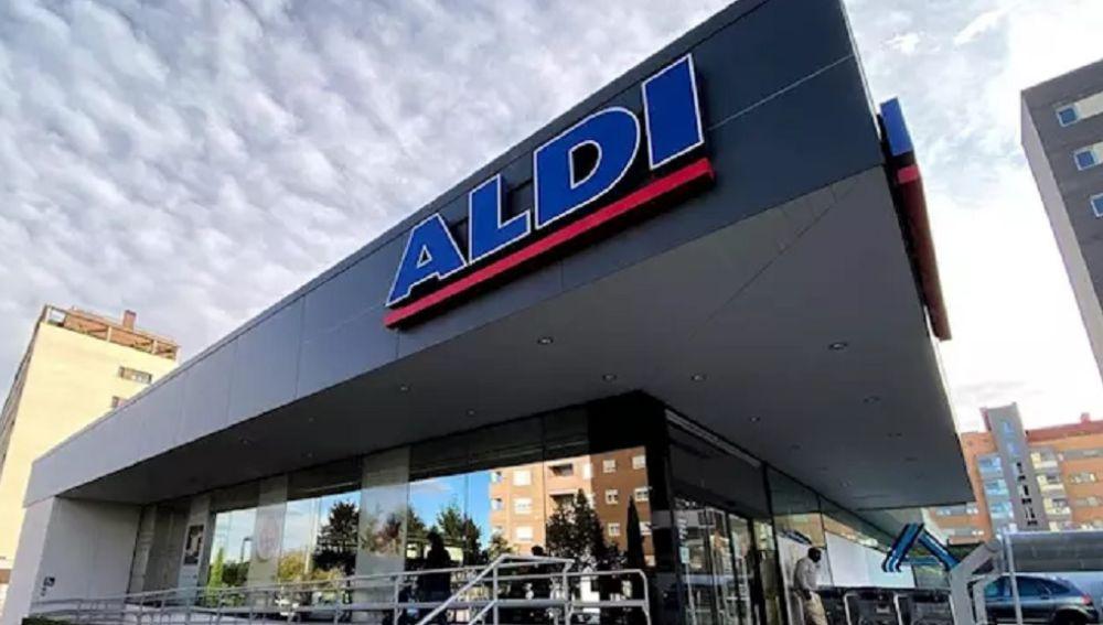 Imagen de archivo de la entrada a un supermercado Aldi en Madrid