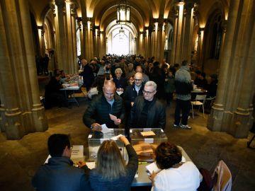 La jornada electoral se inicia con normalidad en Cataluña