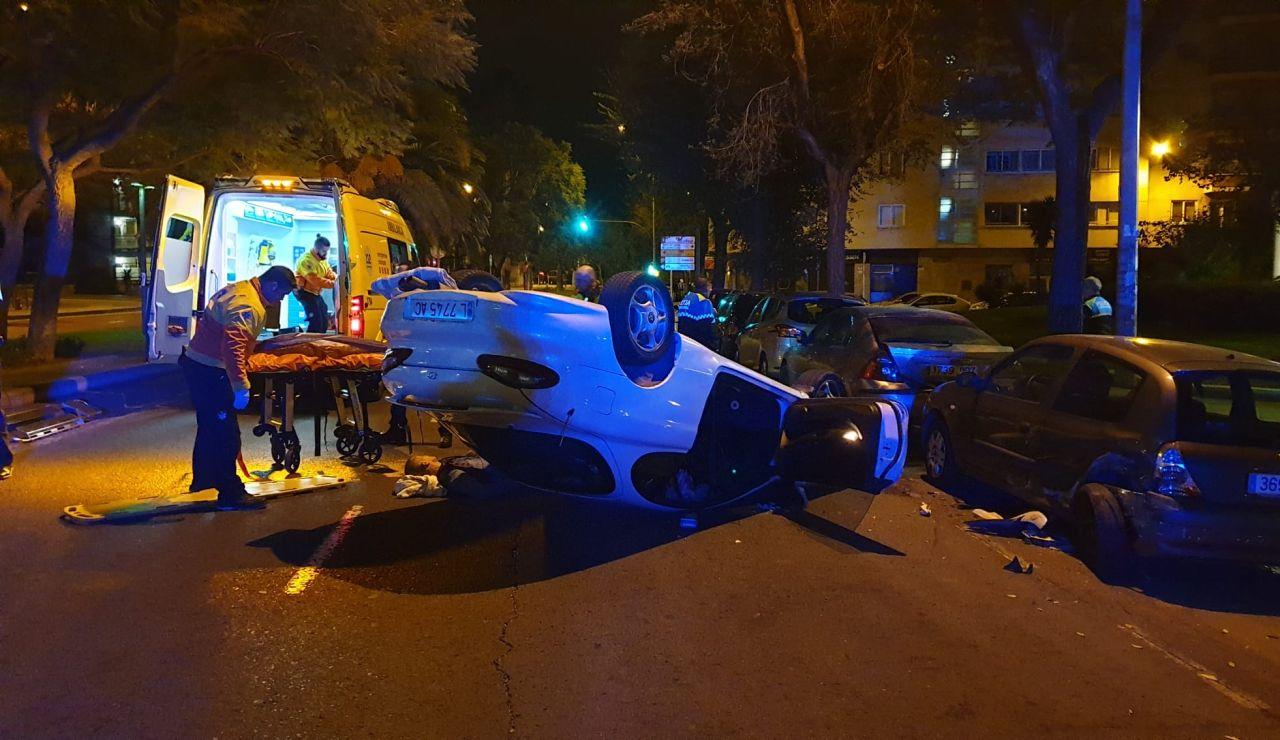 Un conductor impacta sobre cuatro vehículos en Reus